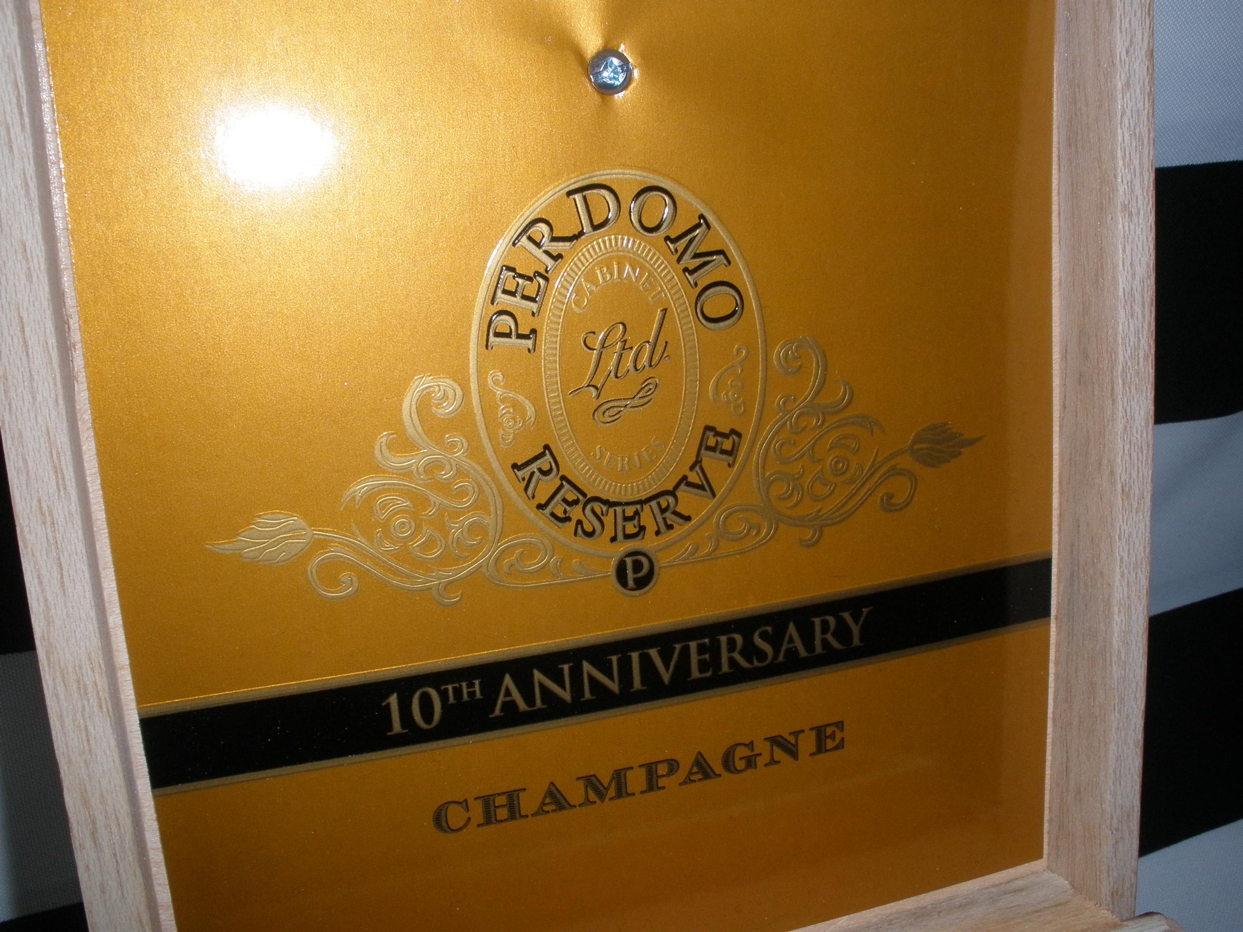 Sold 1009 Perdomo Cigar Man Box Valet Watch Box